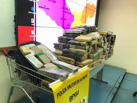 Foto-1-Droga-apreendida-avaliada-em-300-mil-reais-veio-do-estado-de-Sergipe