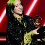 Billie Eilish vai cantar no Oscar 2020