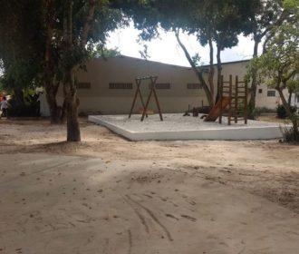 Rui Palmeira entrega quadra e praça revitalizadas no Inocoop nesta quinta