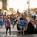18ª edição do 'Bloco do Bôbo' arrasta multidão para carnaval da rua Sol Nascente, periferia de Maceió
