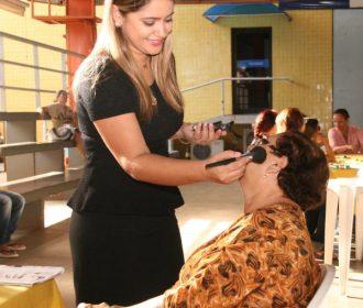 Sesc promove ações de saúde e beleza para público idoso em Arapiraca
