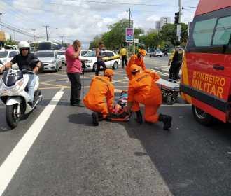 Idoso é atropelado e fica ferido na Avenida Fernandes Lima