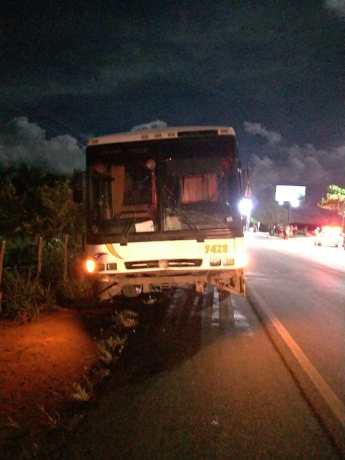 Motorista do ônibus fugiu do local após atropelar mulher na Barra de Santo Antônio - Foto: Assessoria/BPRv