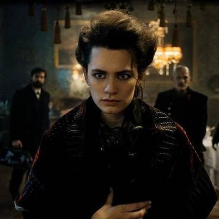 Ella Rumpf como Fleur Salomé em 'Freud' - Foto: Reprodução