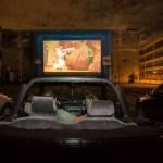 Cinemas drive-in se multiplicam no Brasil e viram opção no distanciamento social