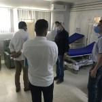 Júlio Cezar visita instalações para implantar leitos de UTI no Hospital
