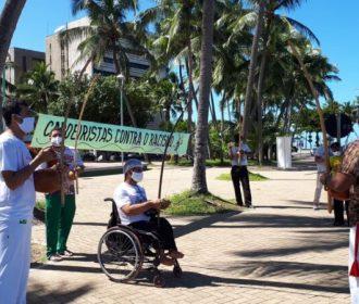 Capoeiristas fazem ato contra o racismo na Ponta verde