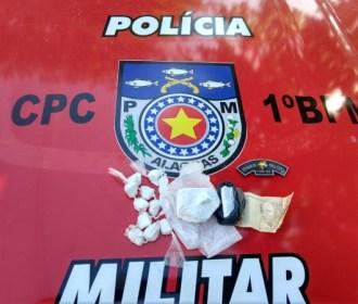 Polícia Militar flagra tráfico de drogas e outros crimes