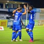 CSA goleia Murici por 4 a 0 e garante vaga na final do Alagoano