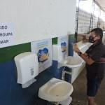 Covid-19: Casal mantém pias no Benedito Bentes e Tabuleiro do Martins
