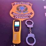 PRF prende motorista embriagado e outro com posse de drogas na BR 101