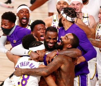Los Angeles Lakers derrota Miami Heat e conquista título da NBA