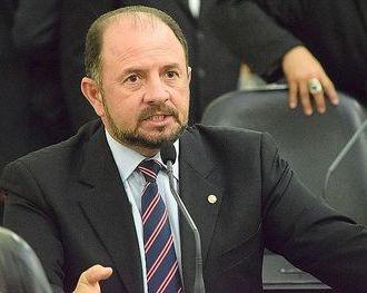 Deputado ameaça de morte suspeito de atentar contra seu filho
