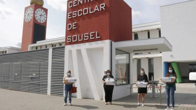 Município de Sousel entregou cheques-oferta e distribuiu kits anti covid nas escolas