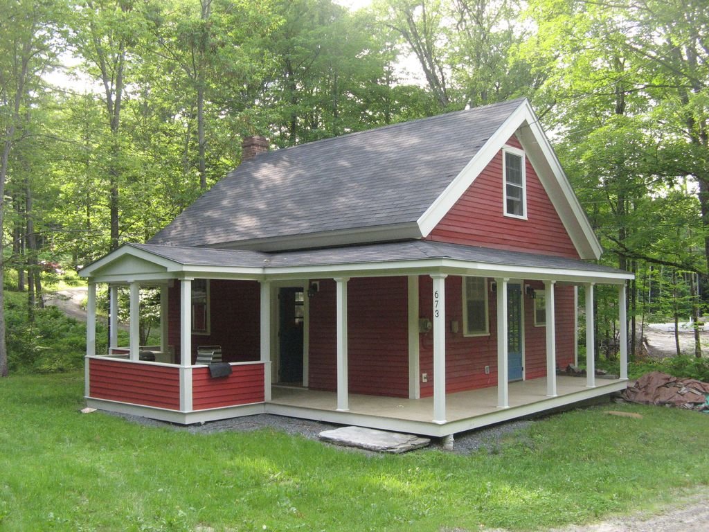 Charming Fully Renovated One Room Schoolhouse On 22 Acres