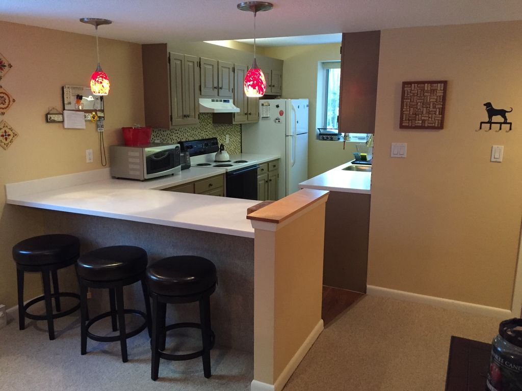 Waterville Valley Townhouse on Mad River   VRBO Fully equipped kitchen  pots pans etc