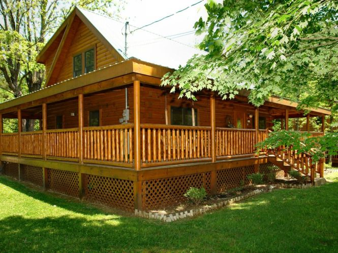 Trout House 350 Outside Corner View 3 Bedroom Cabin Located In Pigeon Forge