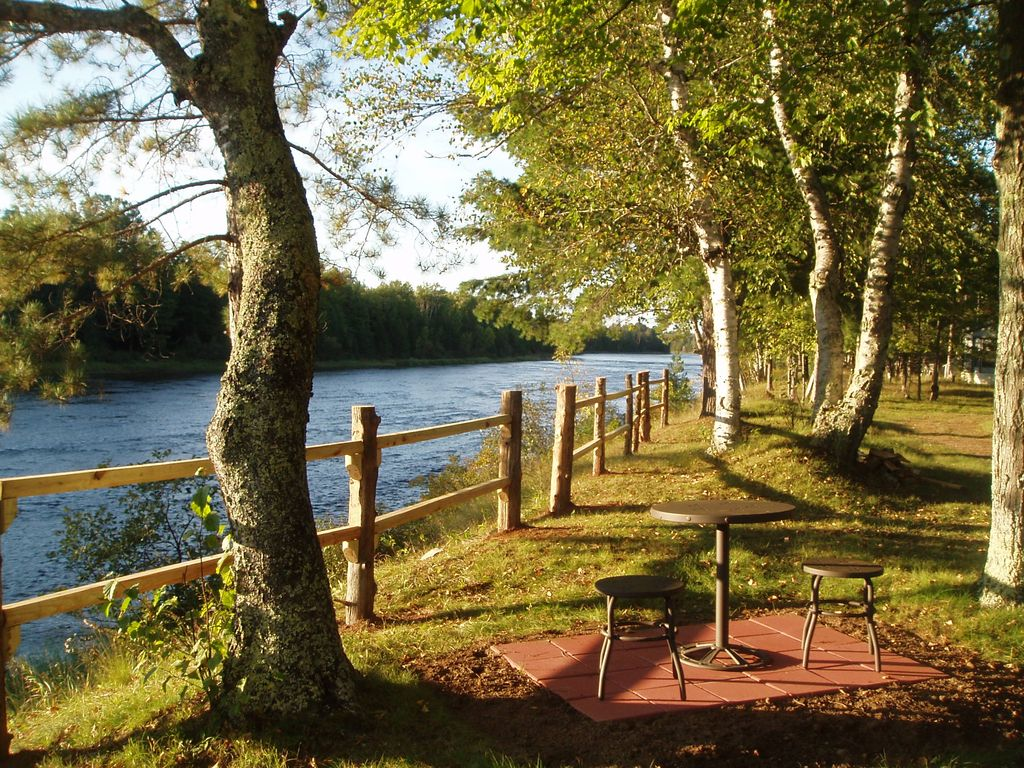 Little Cabin On The River Escanaba River Lcotr Pet