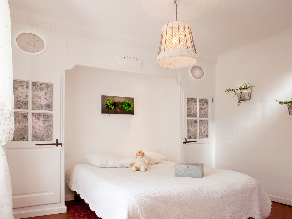 Aix En Provence Luxury Stone Built BASTIDE Air Conditioning Heated Pool BNB Daily