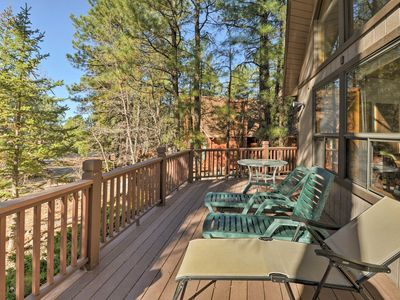 Cabin w Wraparound Porch   20 Mins from      HomeAway Munds Park Soak up the sun on the cabin s wraparound porch