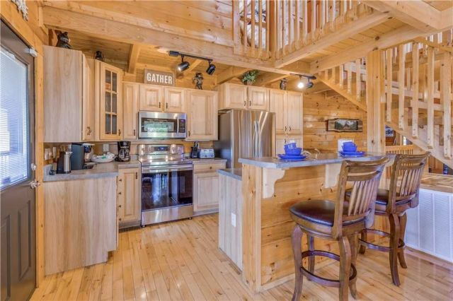 The kitchen is a chef�??s delight - In addition to the usual gamut of appliances, cookware, and tableware, the kitchen includes a Keurig coffee system, a crockpot, and a griddle for whipping up pancakes in the morning.