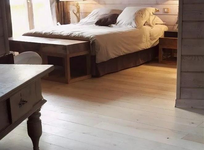 дощатый пол, половая доска в спальне