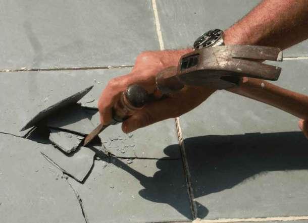 демонтаж керамической плитки
