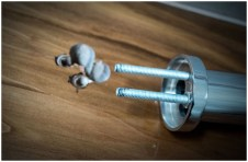 Отверстия и нижняя часть смесителя умывальника