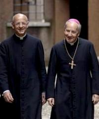 Mons. Fernando Ocáriz junto al prelado del Opus Dei