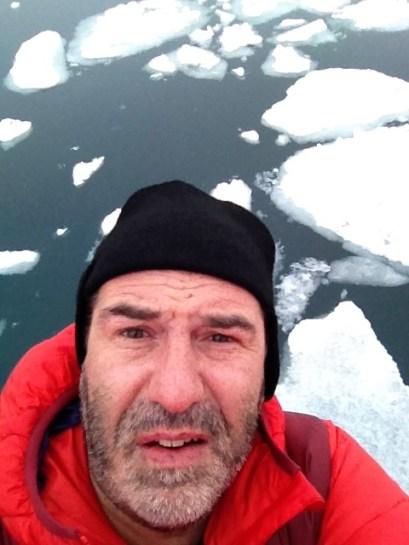 Льды остаются позади. Ложимся на обратный курс.