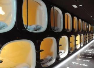 kapsulovy hotel japonsko