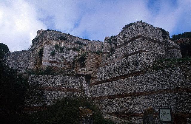 Tiberiova vila ostrov Cpri
