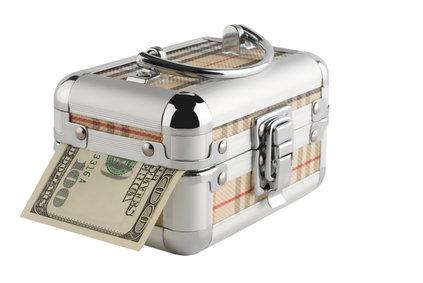 Penize v kufříku
