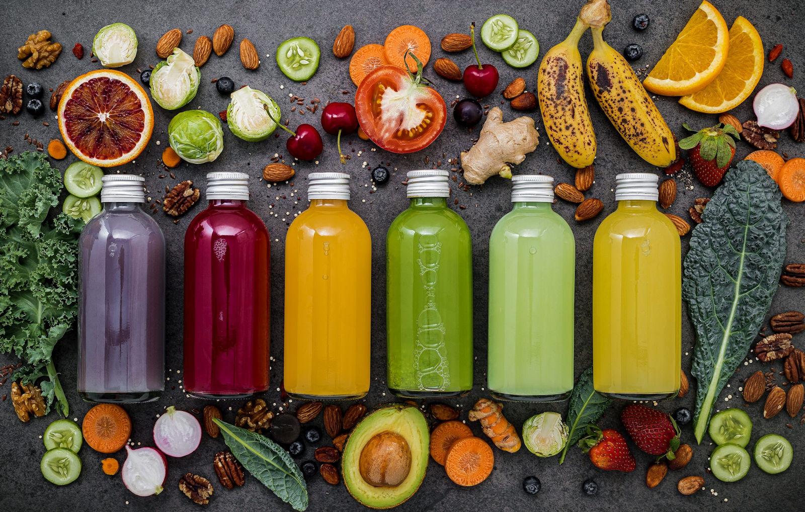 Dieta sokowa jest oparta na sokach owocowych i warzywnych