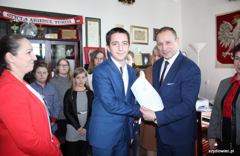 Stypendia Burmistrza Szydłowca dla najlepszych uczniów