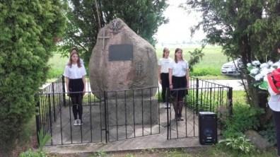 obeliskiem