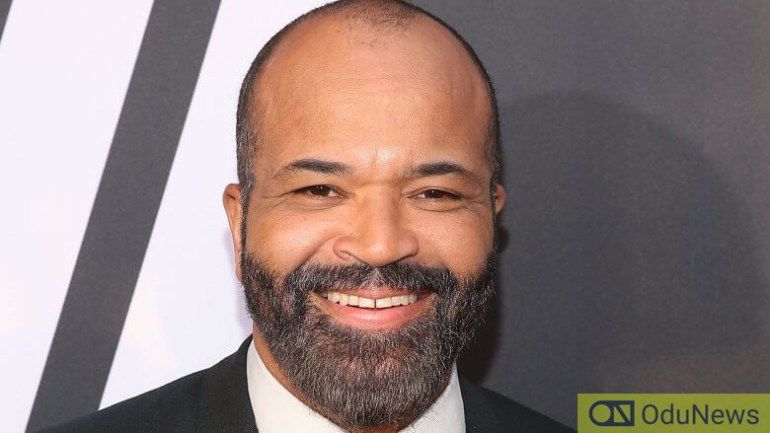 Jeffrey Wright portrays Commissioner Gordon