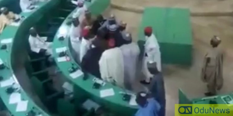 Kano Lawmakers In Free For All Fight Over Petition Against Emir Sanusi [VIDEO]