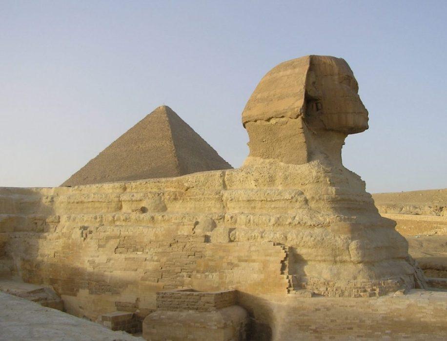 Giza pyramid & sphynx