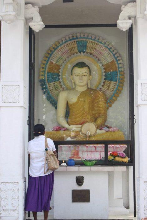 Colombo Buddhist shrine