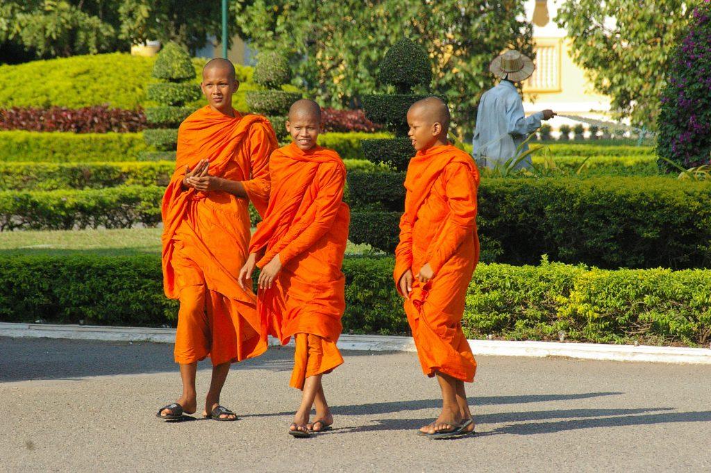 quintessential Phnom Phen street scene