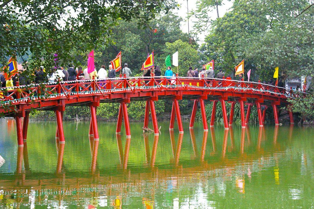 bridge over Hoan Kiem Lake