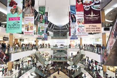 India-middle-class-shopping