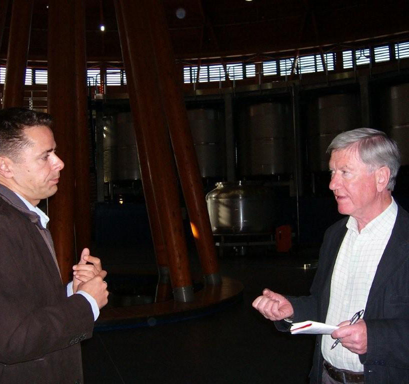 at Viña Real Frank Ward discusses the relative merits of French and American oak with Oscar Urrutia.