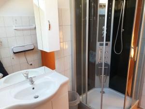 Badezimmer oberes Stockwerk 2