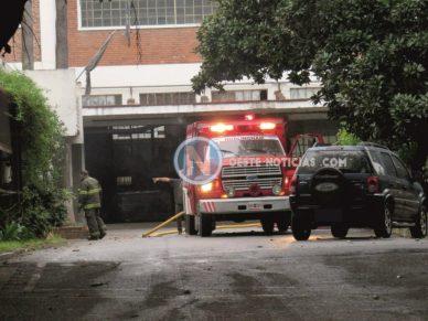 Fuego en Hurlingham – Video: se incendió parte de la fábrica CIDEC