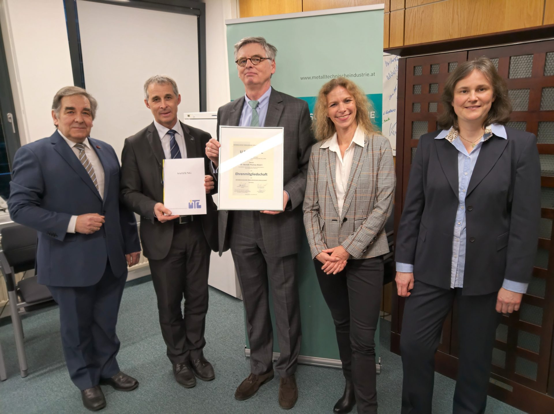 The ÖTG Honorary Membership for the FMTI Managing Director Dr. Berndt-Thomas Krafft
