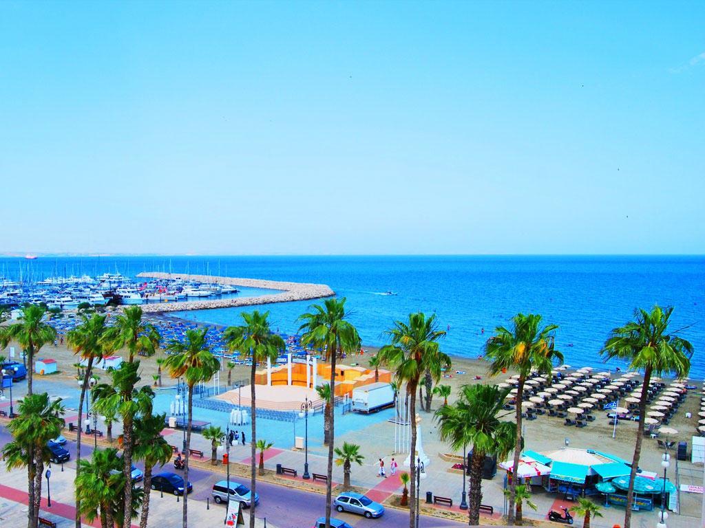 Larnaca – de la 202 EUR (cazare + zbor 48 EUR/pers) in plin sezon – 5 zile