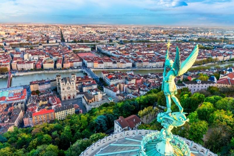 Vacanta in Lyon (Franta), 174 euro! (zbor + cazare 4 nopti)
