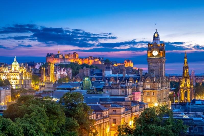 Zboruri foarte ieftine catre Edinburgh, Scotia – 74 euro (dus-intors)